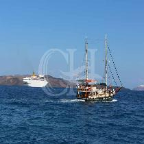 Caldera Morning Boat Tour to Volcano - Hot Springs - Thirassia