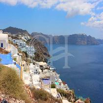Daily Bus Transfer From Kamari To Fira Town